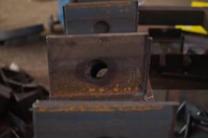 Рубка уголка и пробивка отверстий